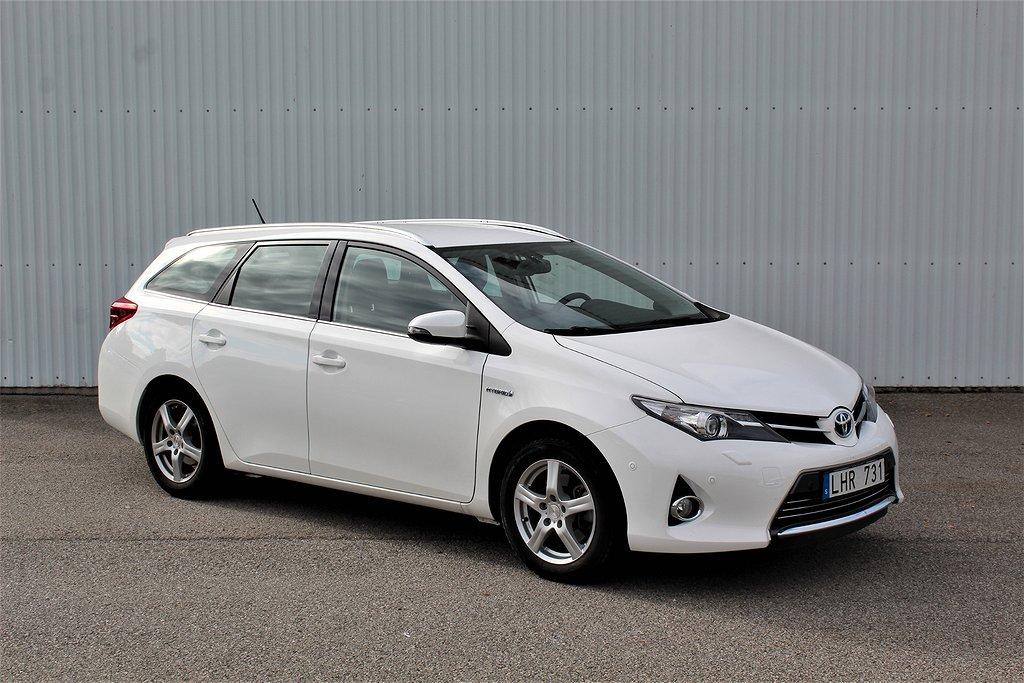 Toyota Auris Touring Sports Hybrid 1.8 VVT-i + 3JM CVT 136hk