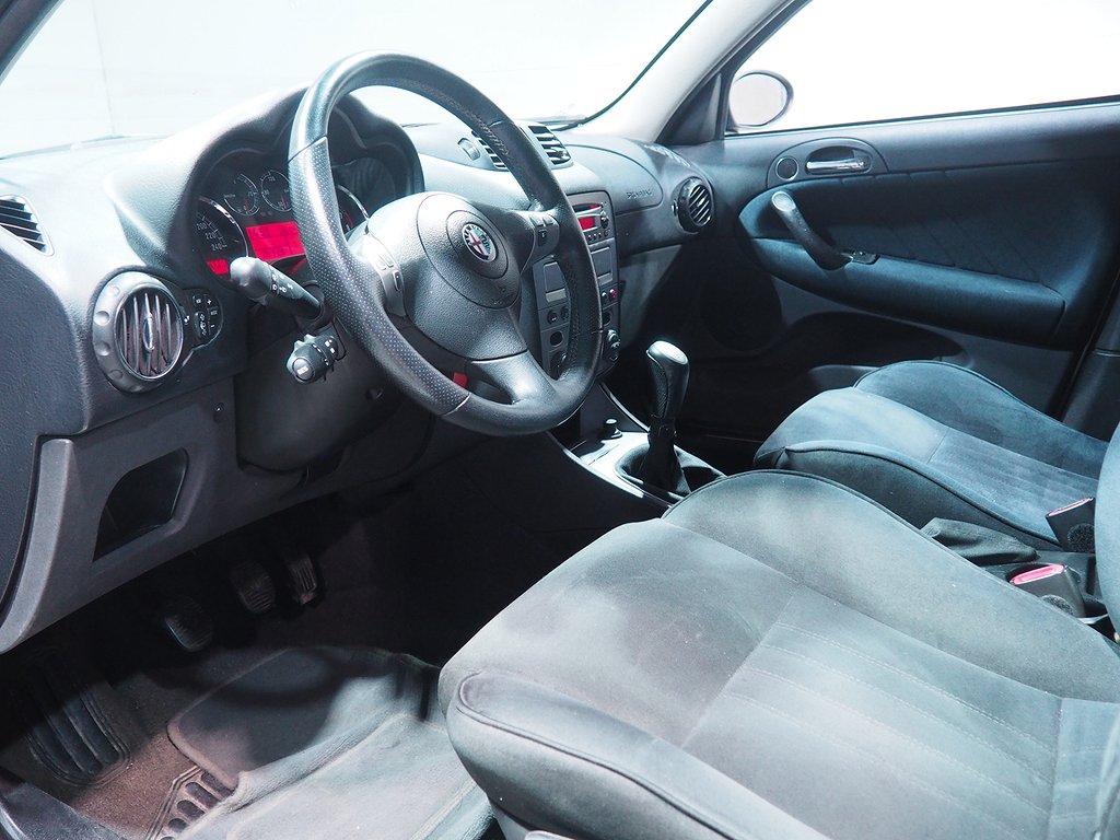 Alfa Romeo 147 5-dörrar 2.0 TS Distinctive 150hk 2005