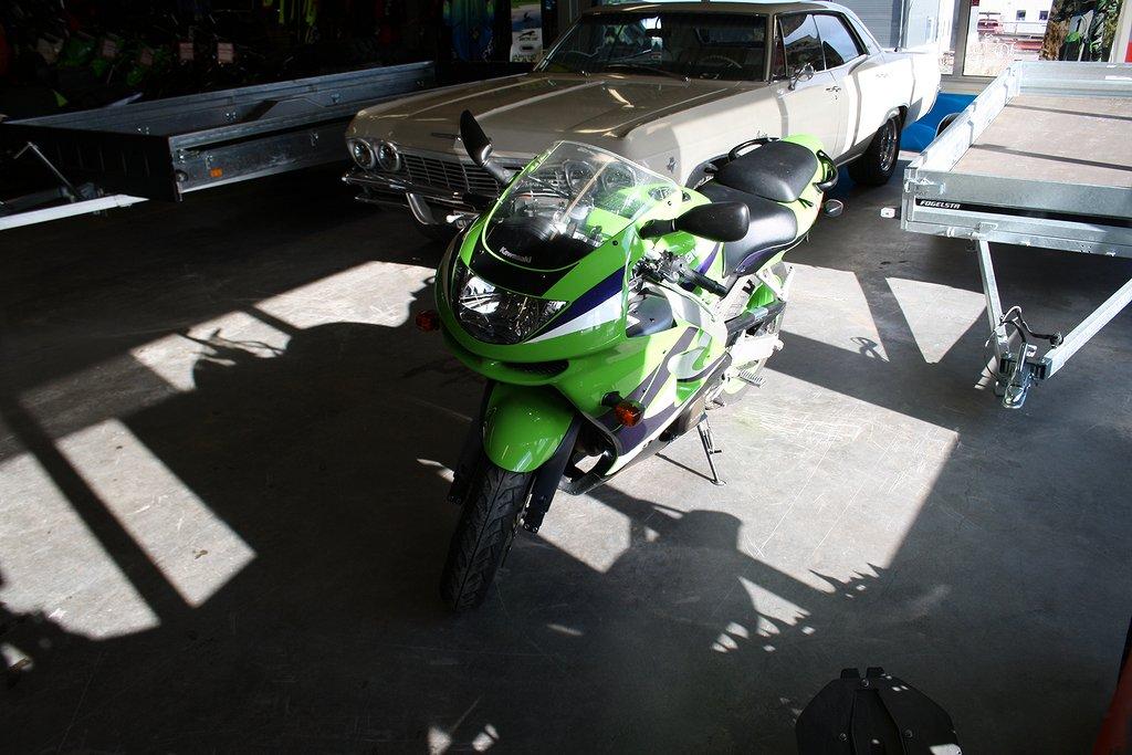 Kawasaki ZX 600 G -99