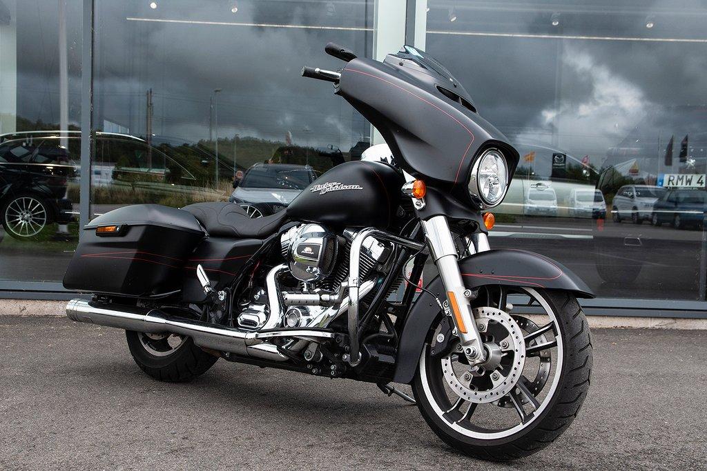 Harley-Davidson Street Glide FLHXS 1400 kr / mån