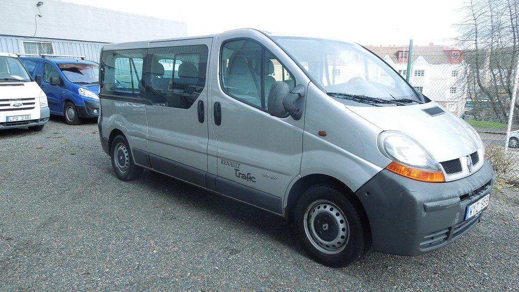 Renault Trafic 9 sits Minibuss / Ny K-REM / Ny BES