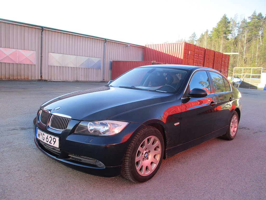 BMW 325 i Sedan Automat Advantage, Comfort 218hk