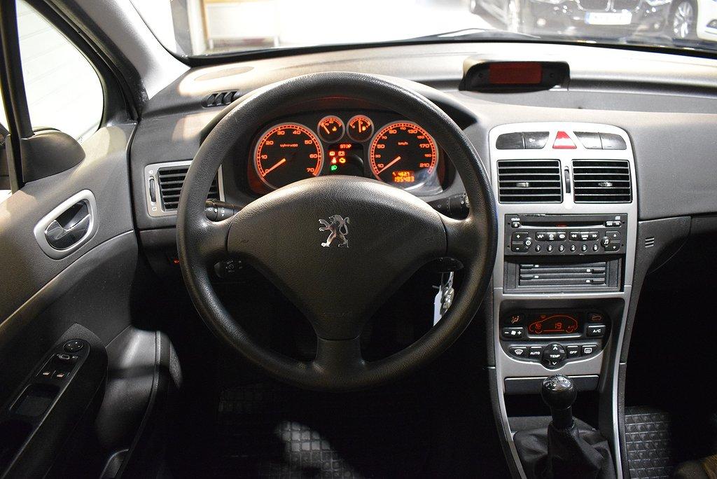 Peugeot 307 5-dörrar 2.0 Motorvärmare 2004