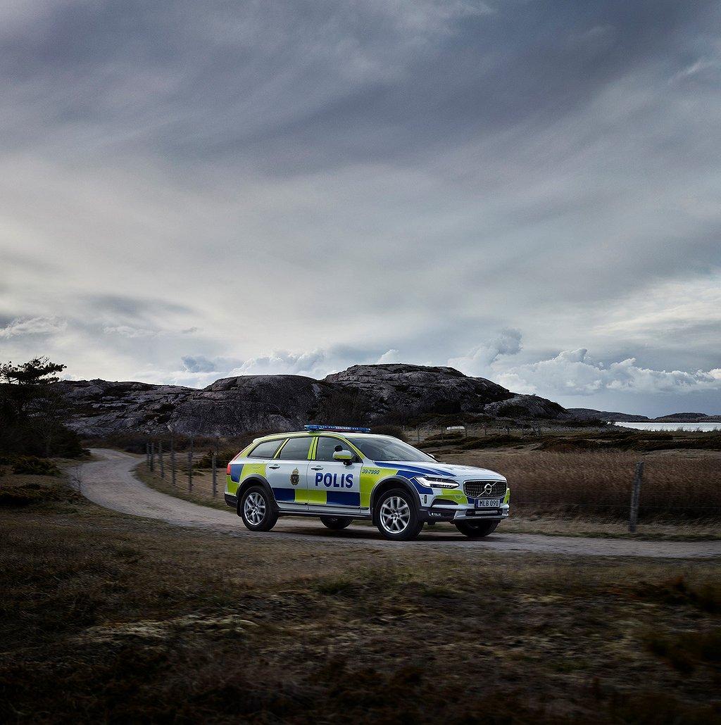 Volvo V90 Cross Country bästa polisbil i test