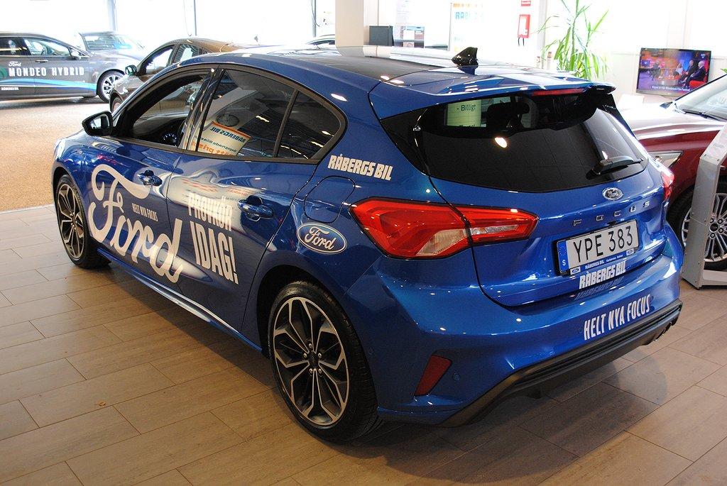 Ford Focus Nya ST-Line 1.0T EcoBoost 125hk*Välutrustad Demo*