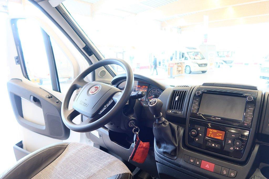 Husbil-halvintegrerad LMC Cruiser Comfort T 732 ALDE 22 av 22