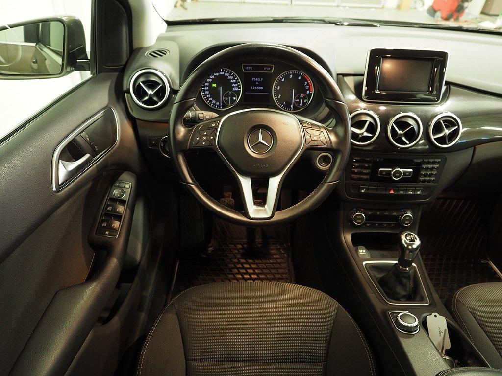 Mercedes-Benz B 180 122hk 2014