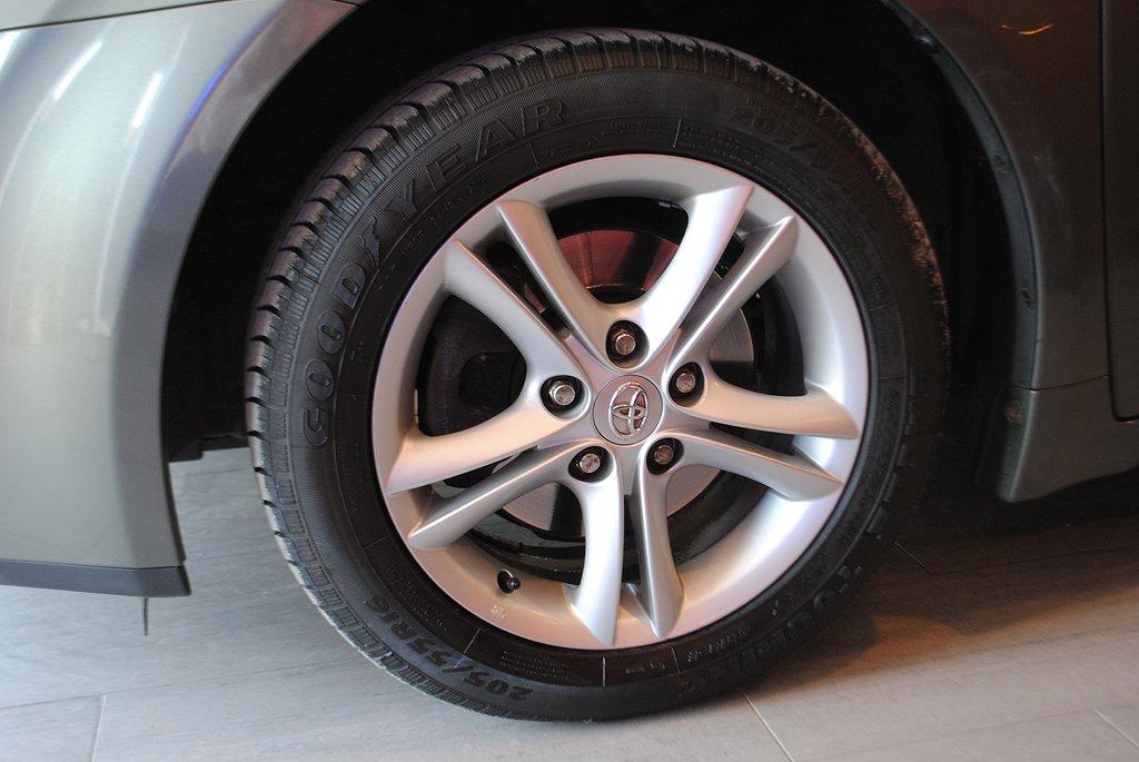 Toyota Avensis Kombi 2.0 152hk