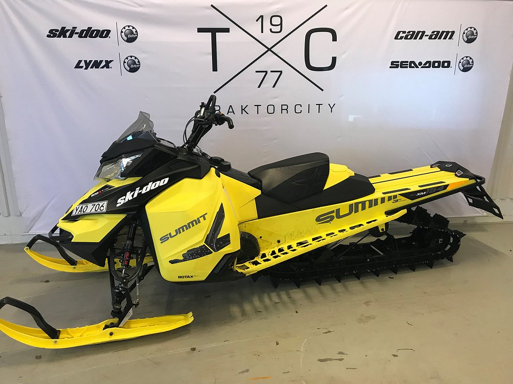 "Ski-doo Summit X T3 154"" -16"