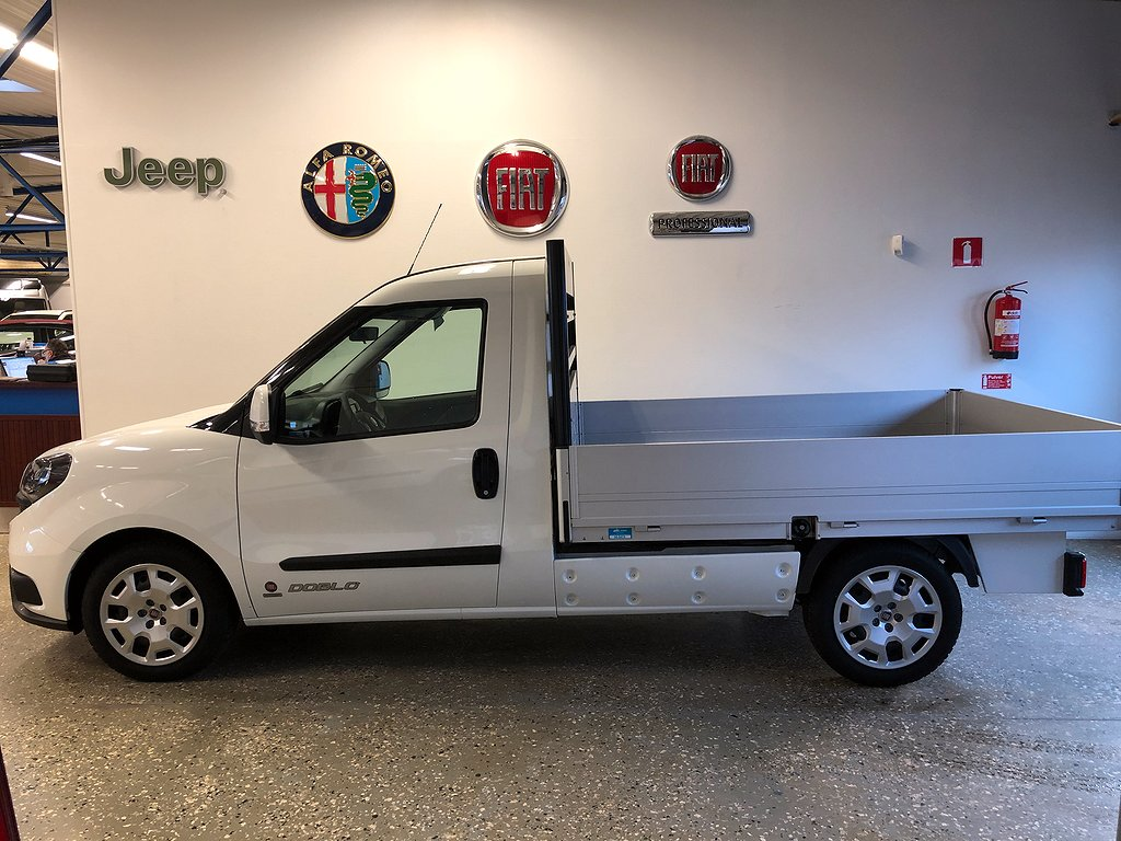 Fiat Doblo FLAK WORK UP 1.6  105hk Billig månadskostnad med momskredit