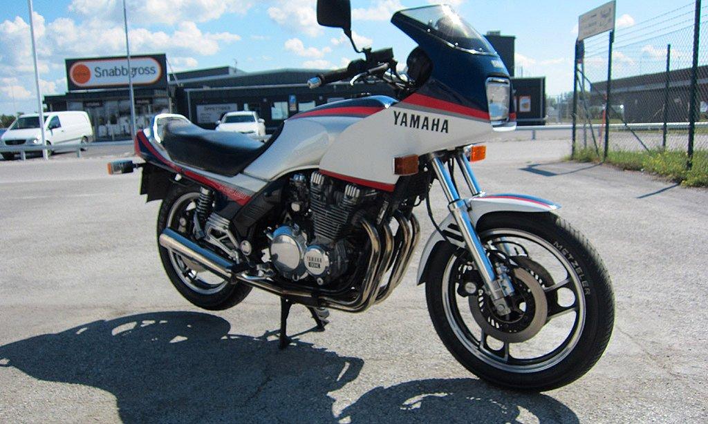 Yamaha 900