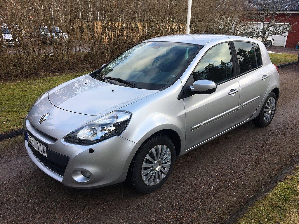 Renault Clio 5-dörrars 1,2 75hkr Ny Kamrem