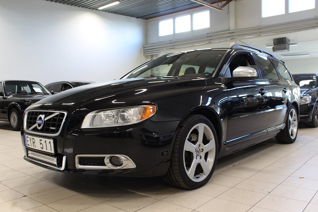 Volvo V70 2.5 FT R-Design 231hk Drag M-Värme
