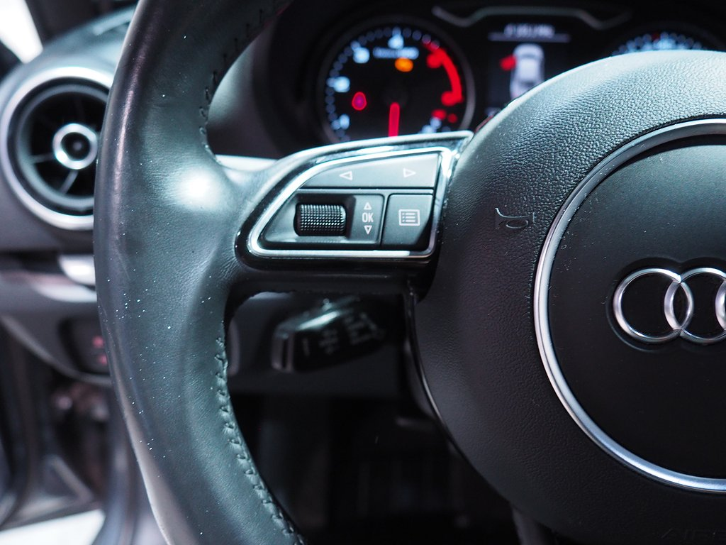 Audi A3 Sedan 2.0 TDI 150hk Aut (Panorama) 2016