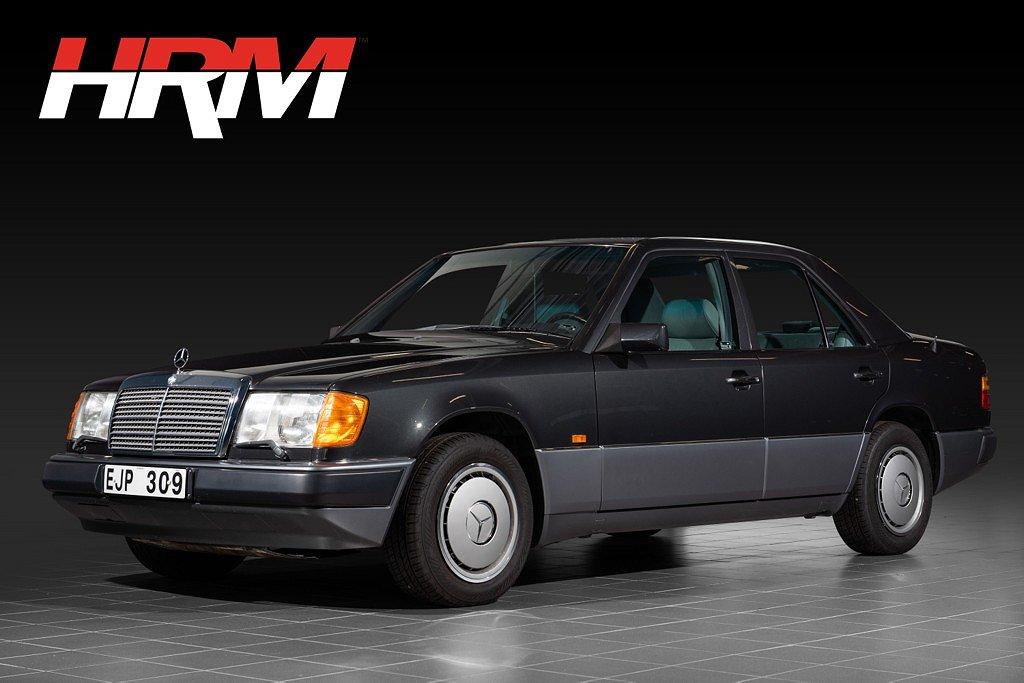 Mercedes-Benz 230 E / Superfint skick / Endast 6141 mil