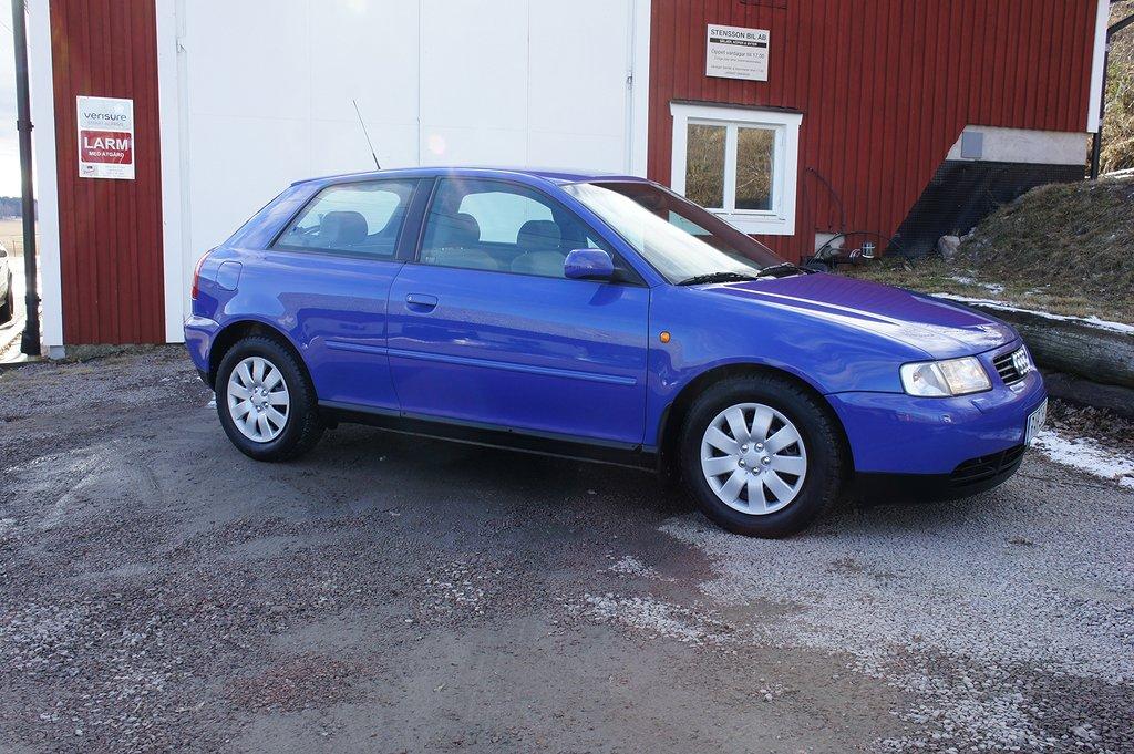 Audi A3 3-dörrar 1.6 Attraction 101hk