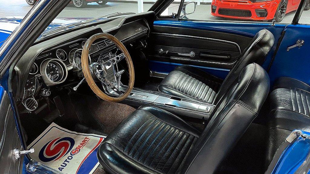 En trevlig Ford Mustang årsmodell 1967.
