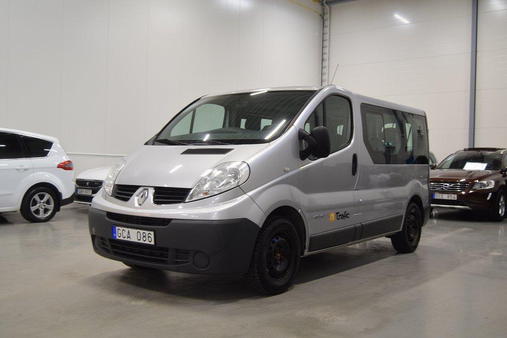 Renault Trafic Minibuss 2.5 dCi 9-Sits Automat
