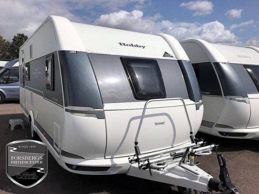 Hobby 560 KMFe De Luxe Våningssängar / Familjevagn