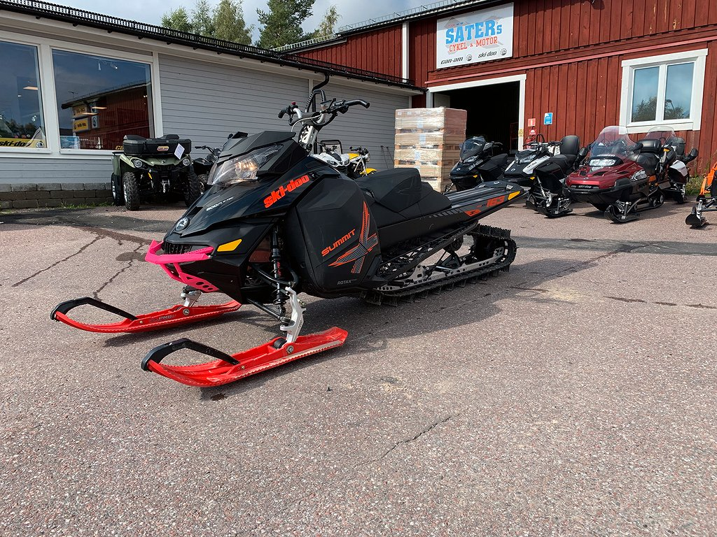 "Ski-doo Summit T3 163"" 800 E-TEC"