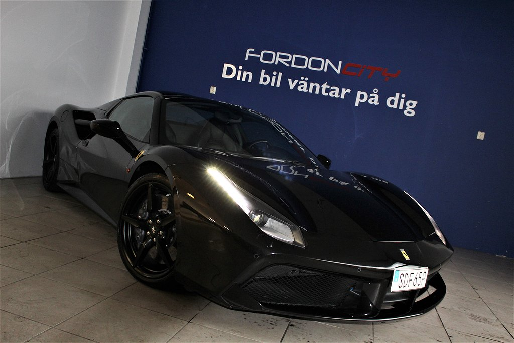 Ferrari 488 GTS Black Carbon Spyder 670hk