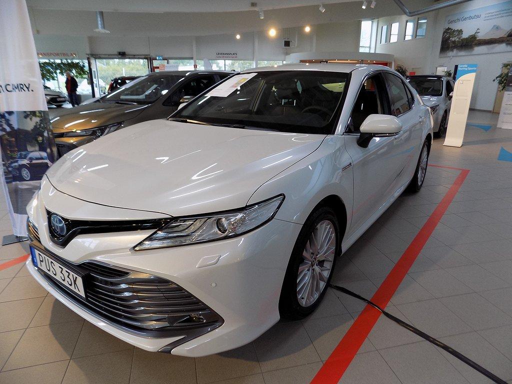 Toyota Camry Hybrid 2.5 Executive Automat 218 HK