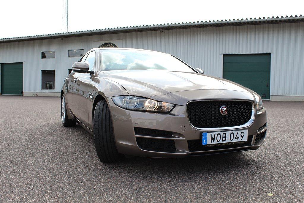 Jaguar XE Prestige, extremt låga mil!