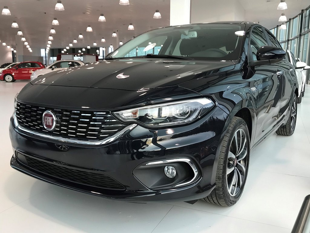 Fiat Tipo TIPO 5-D 1.4 120HK MT6 LOUNGE 17'' MY20 *DEMOBIL*