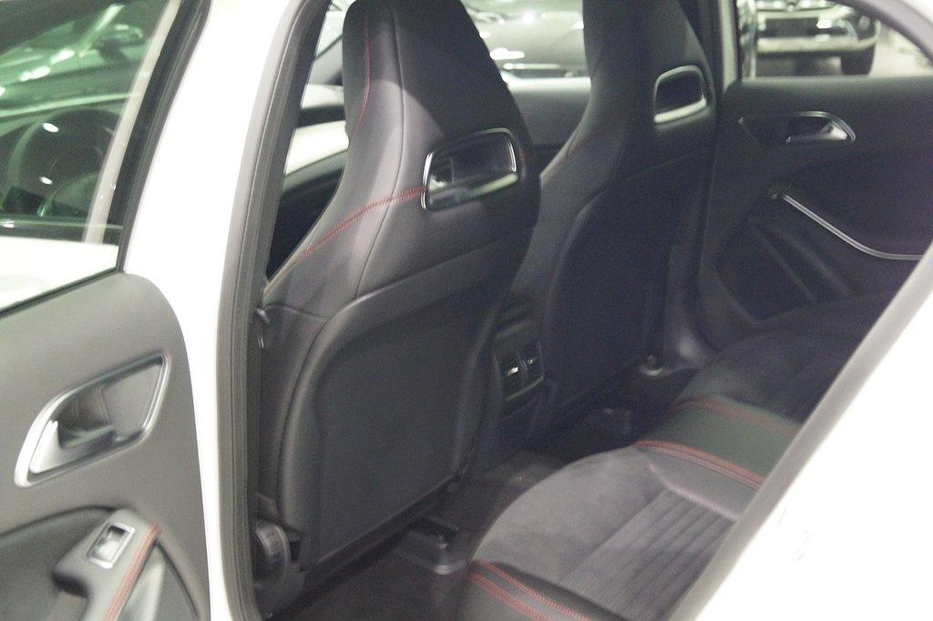 Mercedes-Benz GLA 200 / AMG Sky / Apple carplay