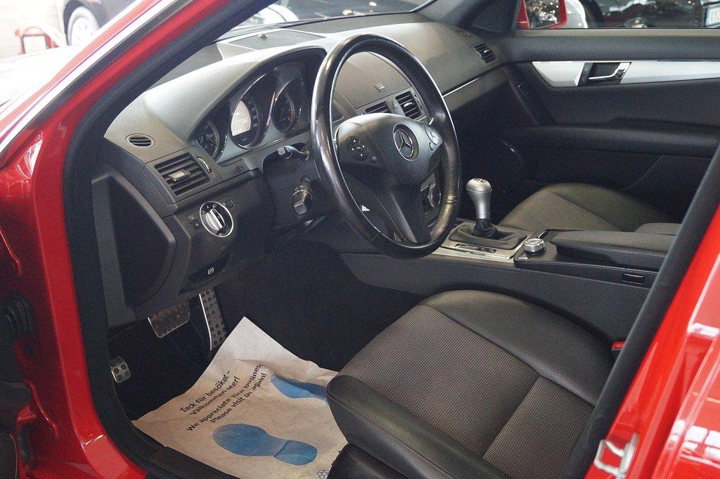 Mercedes-Benz C 5000kr i fritt bränsle 180 AMG-sport 156hk