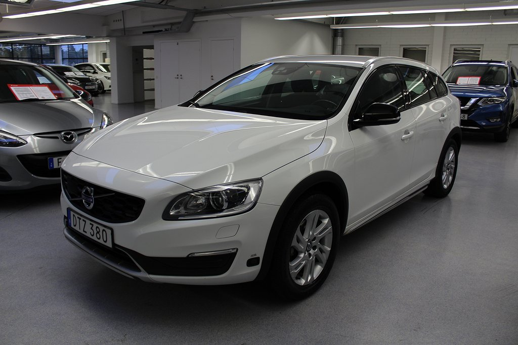 Volvo V60 Cross Country D3 Geartronic Momentum Eu6