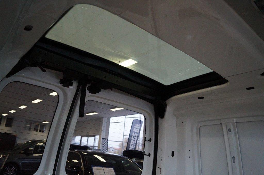 Volkswagen Caddy 1.6 102hk Automat // Dragkrok