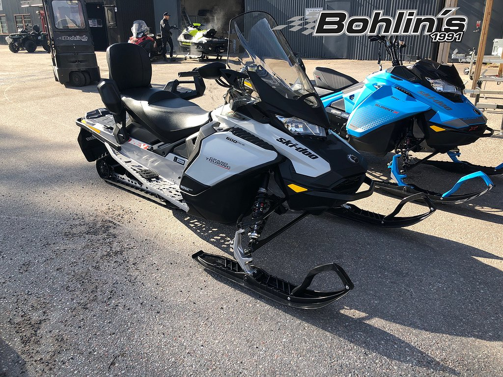 Ski-doo Grand touring 600 ACE -20 *6Mil*