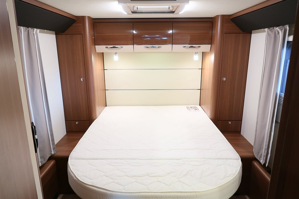 Husbil-halvintegrerad LMC Cruiser Comfort T 732 ALDE 16 av 22
