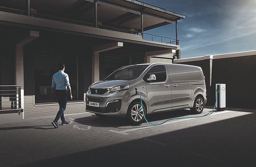 Peugeot Expert  PRO L2 5,3m3 Electric 136 75kWh