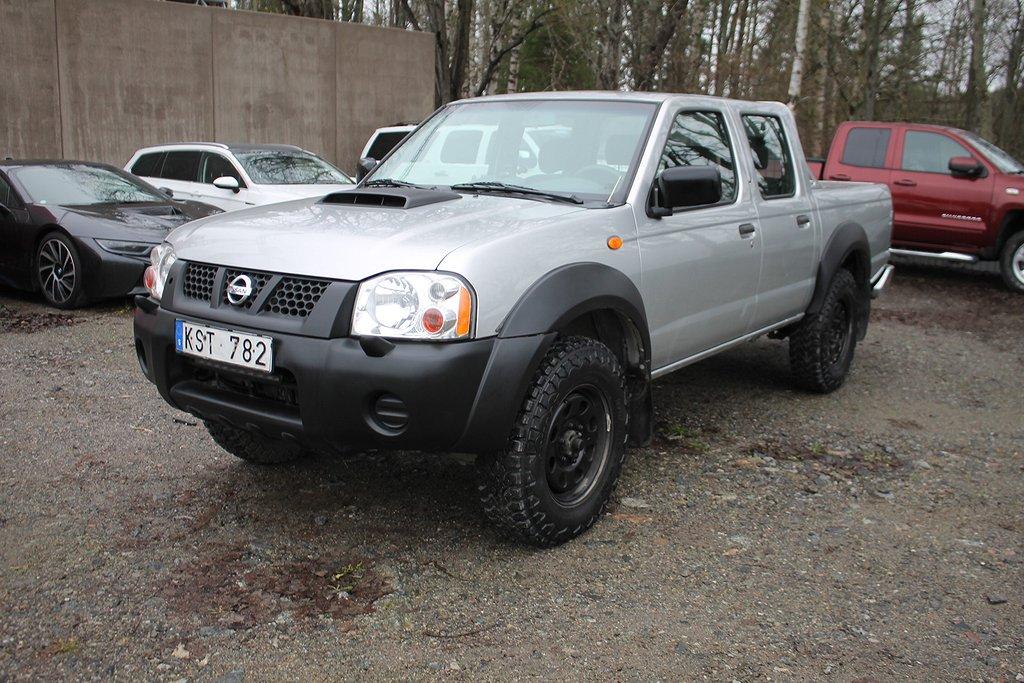 Nissan NP300 Dubhytt 2.5 4WD Manuell*