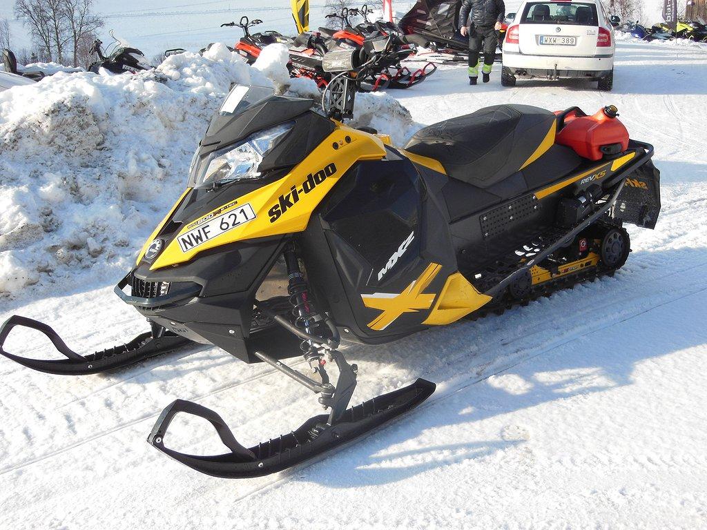 Ski-doo MXZ X 800 E-tec