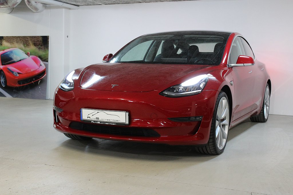 Tesla Model 3 Performance 510hk Svensksåld / Leasbar
