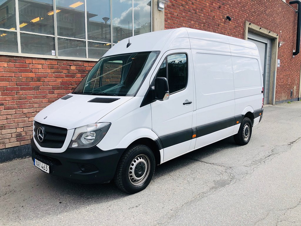 Mercedes-Benz Sprinter 216