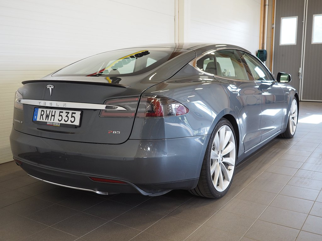 Tesla Model S P 85 FRI LADDNING 2013