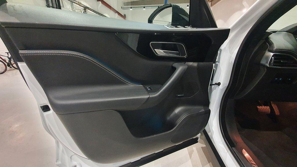 Jaguar F-Pace 20d AWD Aut R-Sport Euro 6 180hk Panorama