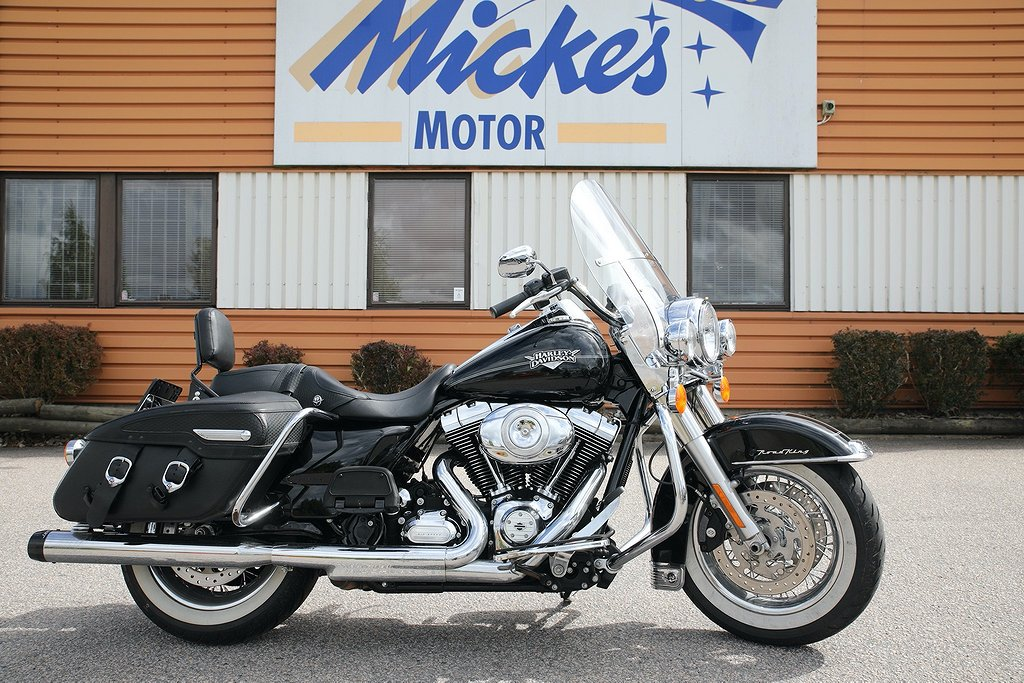 Harley-Davidson Road King Classic FLHRC Twin Cam 103