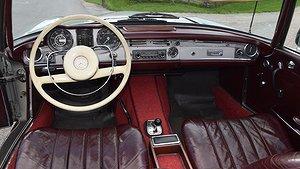 En fin Mercedes-Benz 230 SL. Foto: Bilweb Auctions