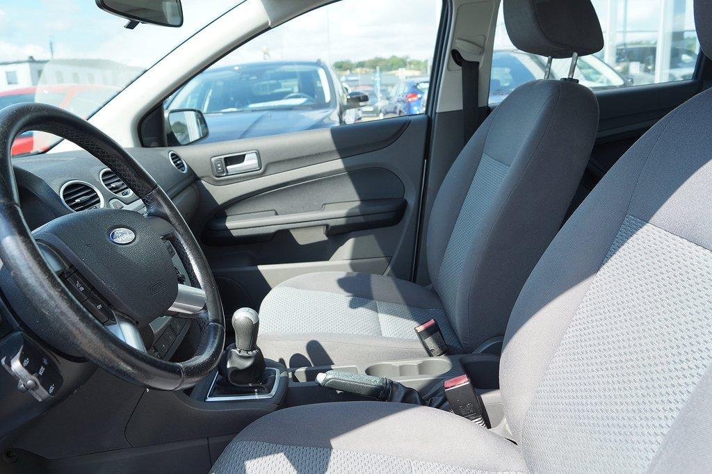 Ford Focus 1.6 101hk 5D