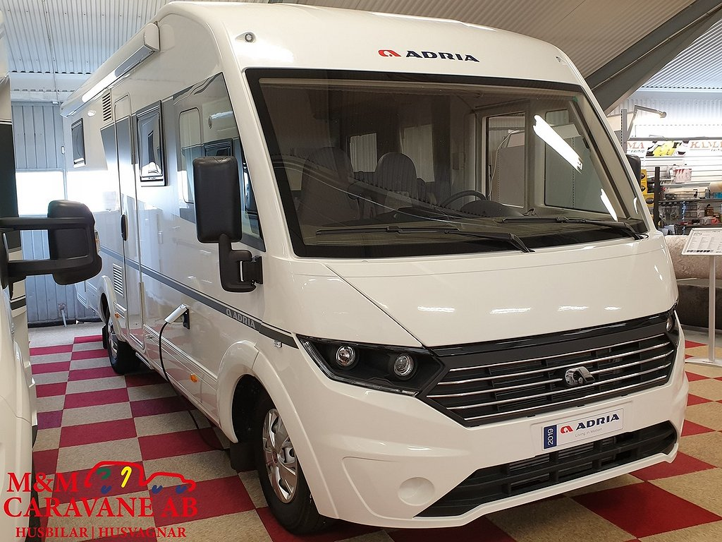 Adria Sonic Axess I 700 DC Queenbed