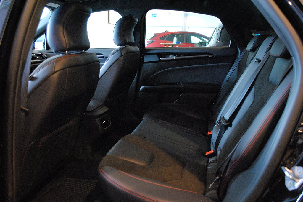 Ford Mondeo ST-Line 2.0 TDCi 190 Aut8 AWD *Demo/Välutr*