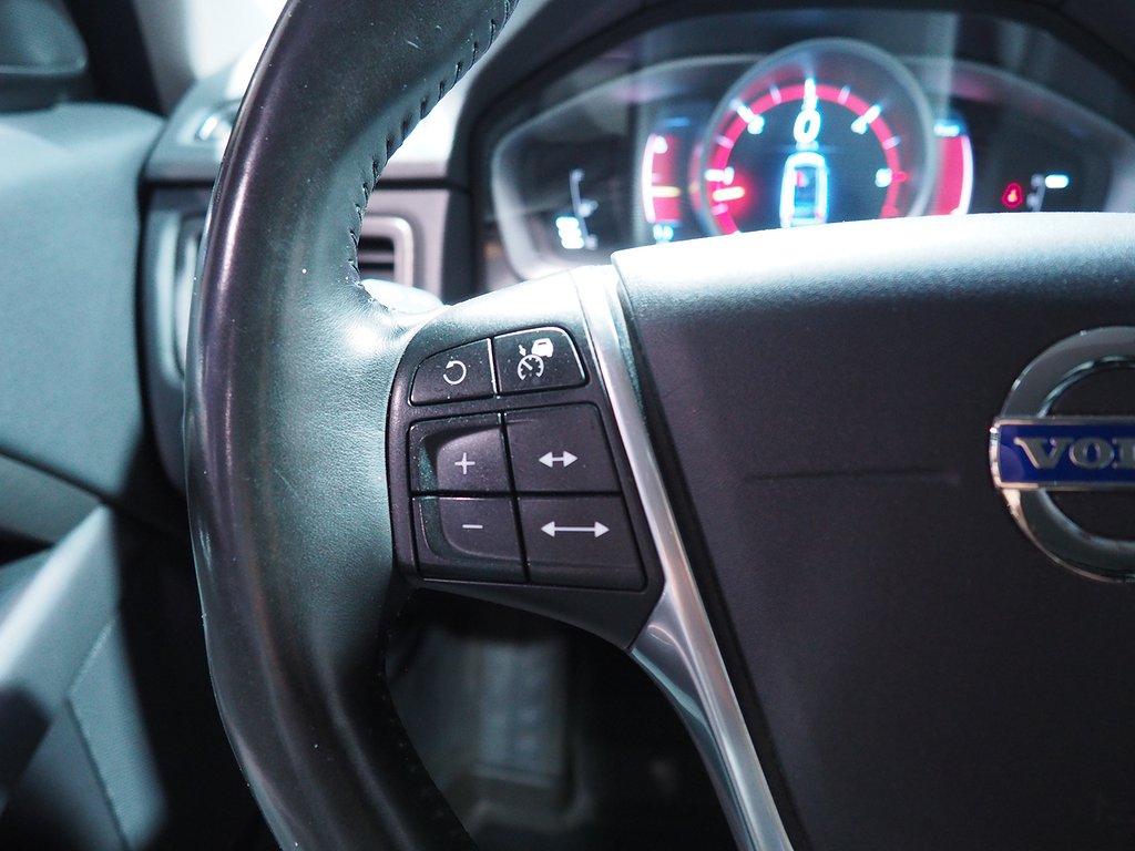 Volvo XC70 D4 AWD Aut Momentum Classic 181hk (VOC Dragkrok) 2016