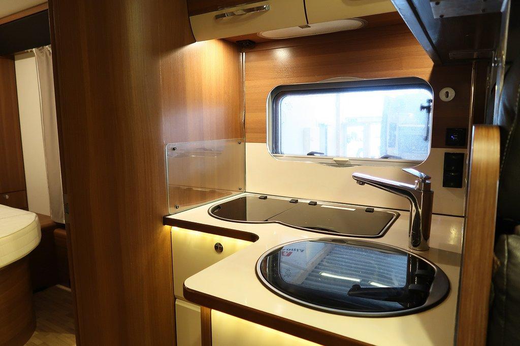Husbil-halvintegrerad LMC Cruiser Comfort T 732 ALDE 12 av 22