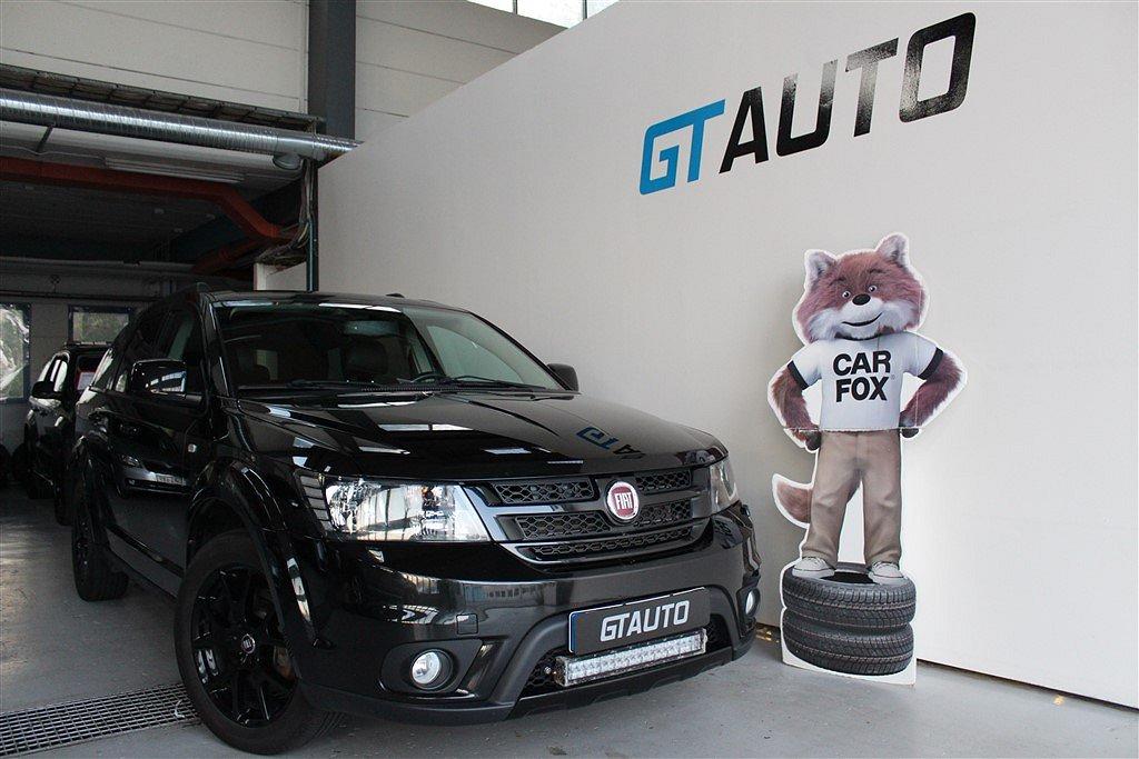 Fiat Freemont Black Code 7-Sits Ny Kamrem Värmare AWD