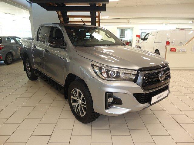 Toyota Hilux 2,4D Aut D-Cab Ultimate Skinn